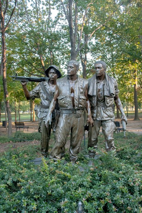 The Three Soldiers Sculpture - Rosewood Photographics
