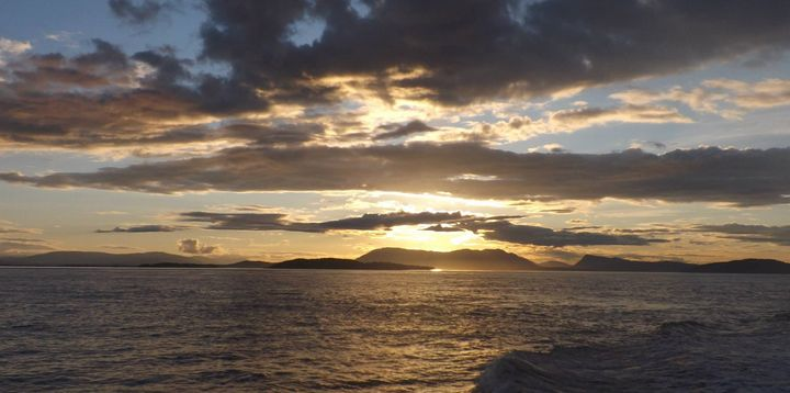 Sunset on the Pacific Ocean - Jewell Art Expressions