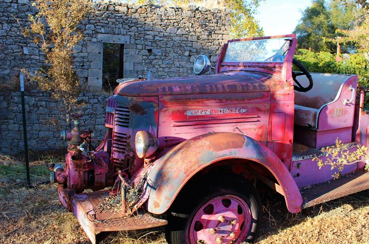 Antique Fire Engine - Pat Hansen's Photos