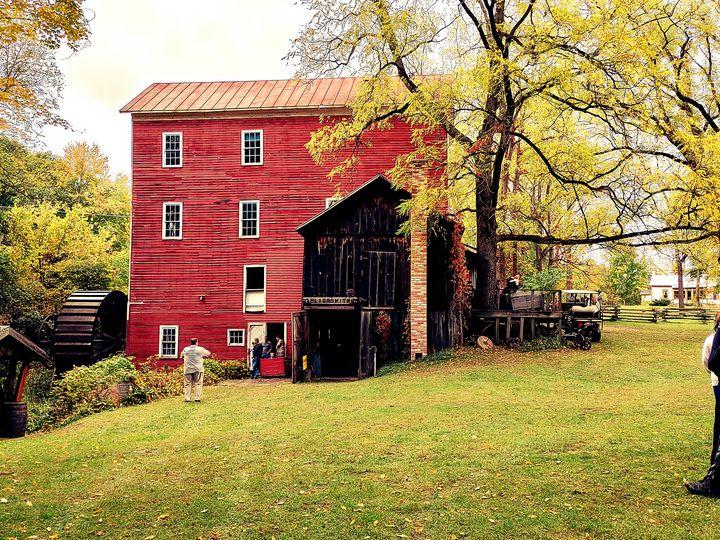 Bowens cider mill - Christie crafts
