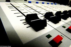 Radio Live - Jessica Royer