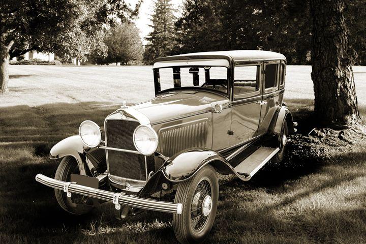 1929 Willys Knight Classic Car 4527 - M K Miller III