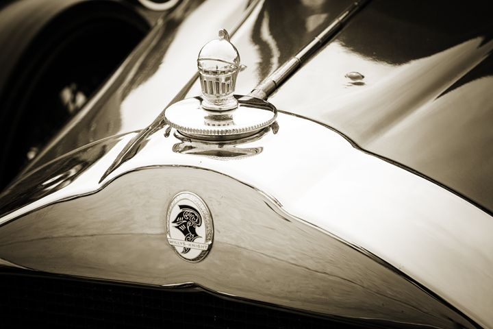 1929 Willys Knight Classic Car 4530 - M K Miller III