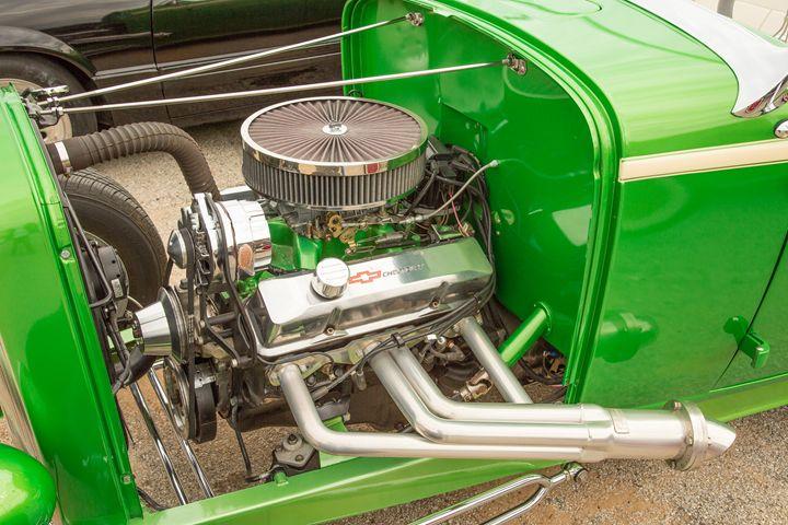 1932 Ford Roadster  5564.18 - M K Miller III