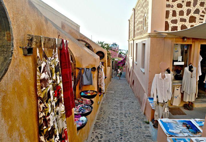 Grecian Streets, Santorini - amywanders