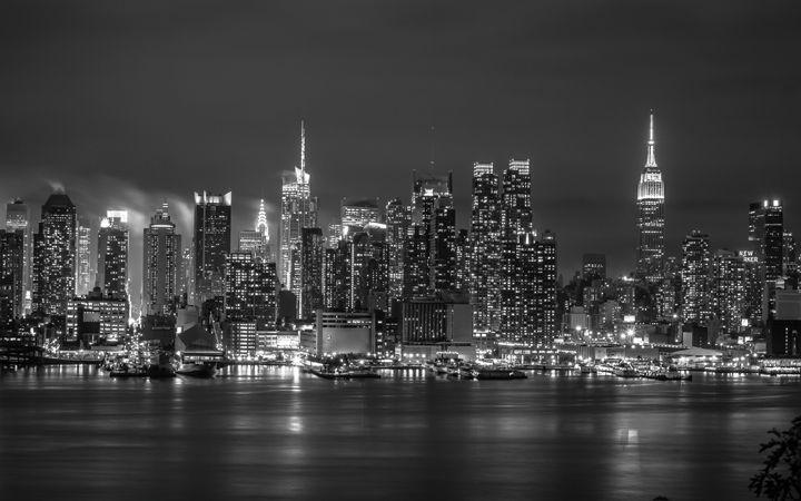 Manhattan Skyline - Miguel Martinez