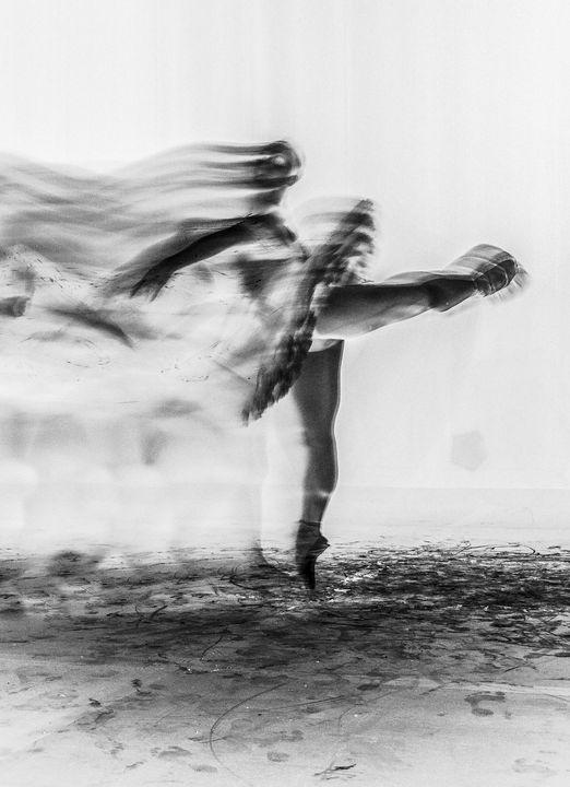 black dancer - DDKorda