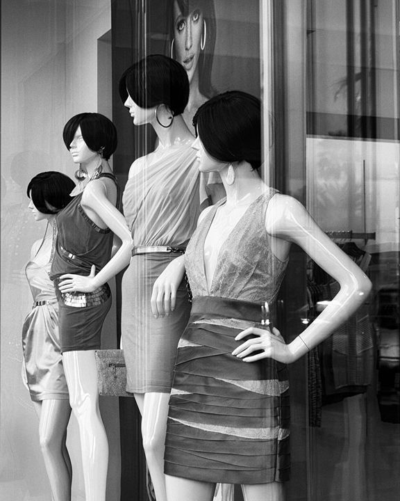 MANNEQUINS - WDPS Gallery