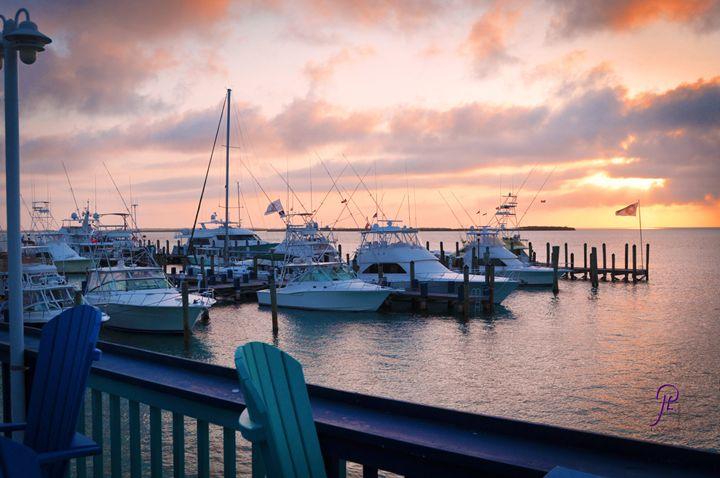 Sunrise over Big Game Bimini Bahamas - Lyle Saunders Photography