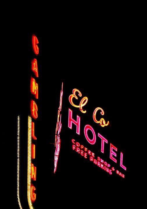 I love neon - Danielle Bedard