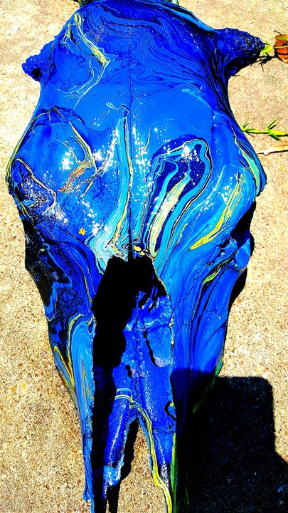 Hydro-Swirl Dipped blue cow skull - Twisted X-Pressions
