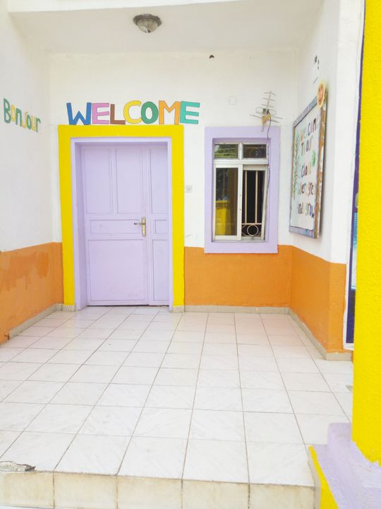 Color mixed school house - Stev Art Venture