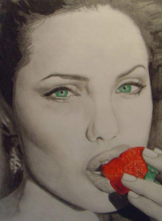 Angelina Jolie - Kim Dennis