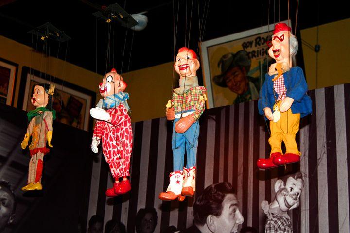 Just Hangin: Geppi Museum, Baltimore - Mike flynn
