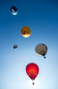 Air balloons from below