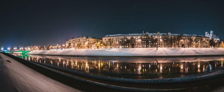 Vilnius Neris river at night - HideMyWall