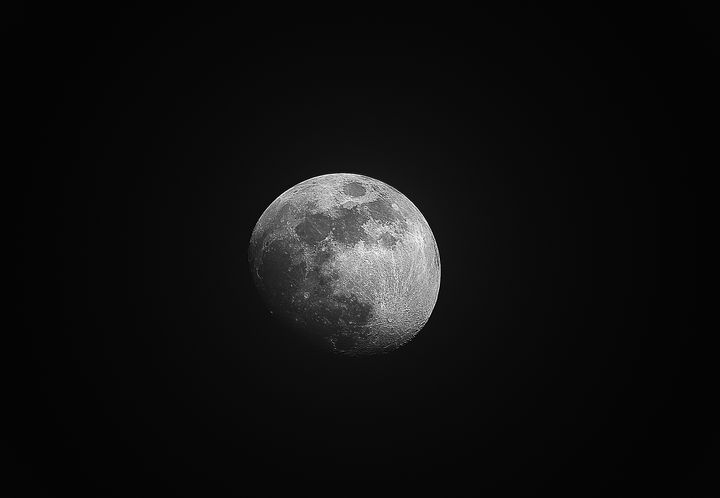 Full moon high details - HideMyWall