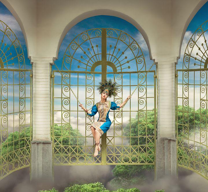 golden cage - Yana Bobrykova