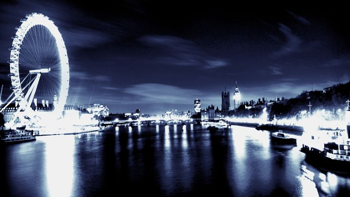 London in dark blue - Marc O Zyris
