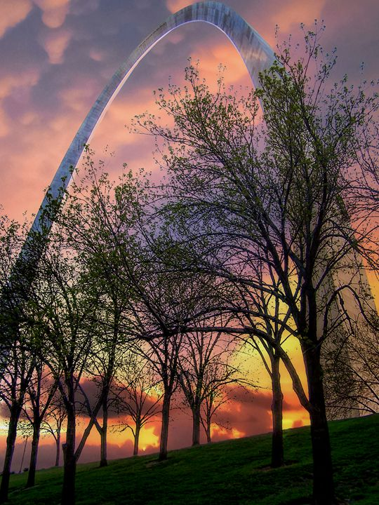 Sunset at the Arch - Kenneth D. Huskey