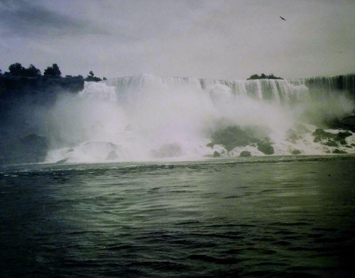 Niagra Falls 4 - Melissa