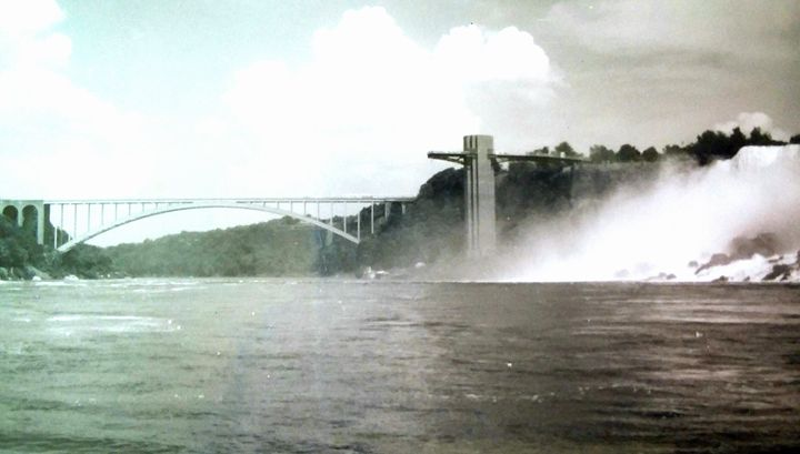 Niagra Falls 6 - Melissa
