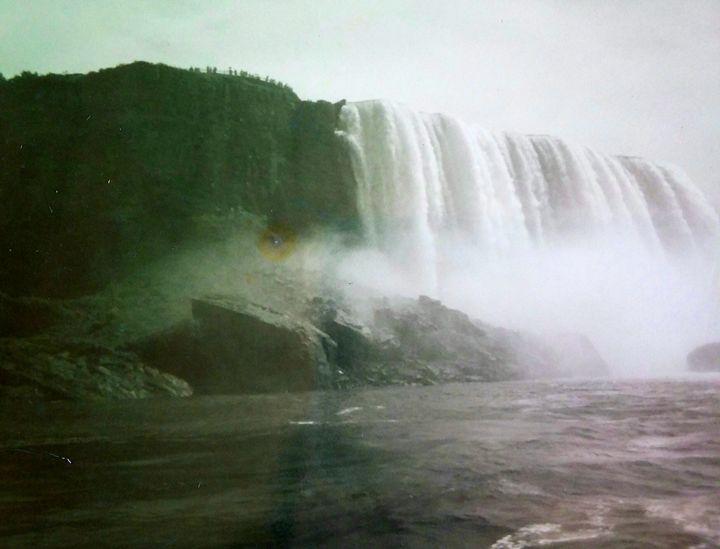 Niagra Falls 7 - Melissa