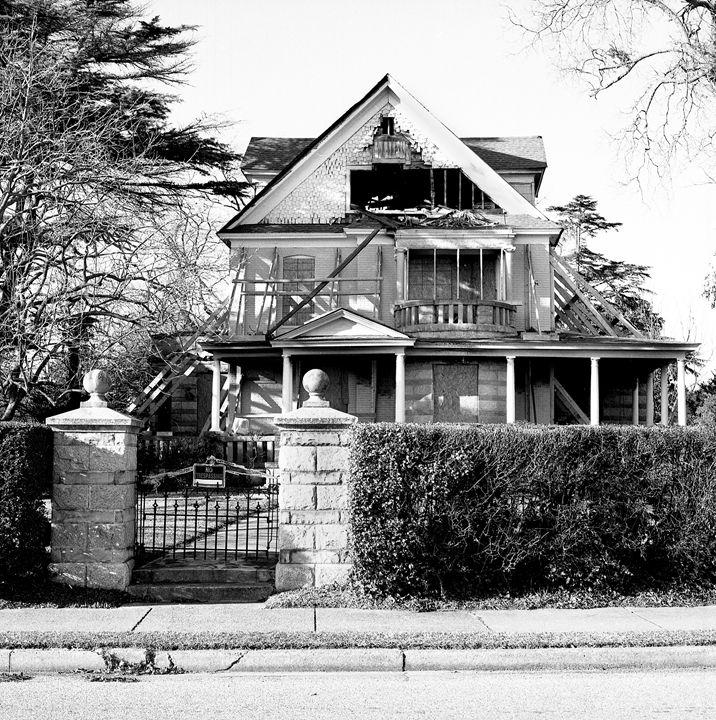 Abandoned House - Alec Photography