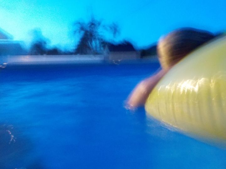 Blurred Pool Float - Moll's Art
