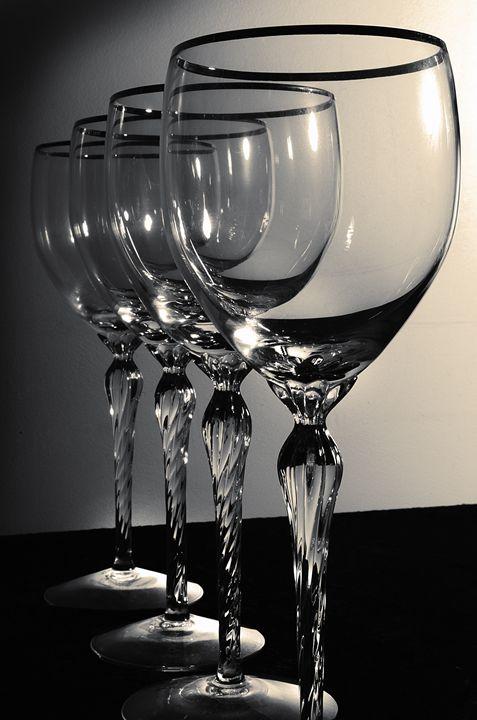 Empty Glasses - Dreamer's Shutter Photography :: Amanda Gloth