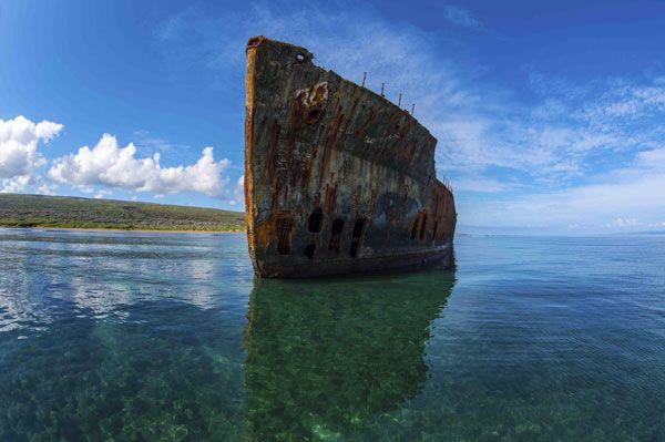 Shipwreck - Hawaiian Images