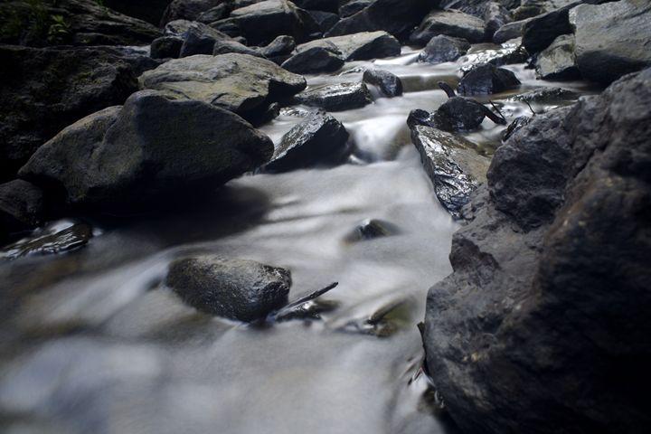 Stream - Travis Baars Photography