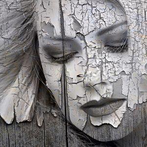 Peeling painted lady