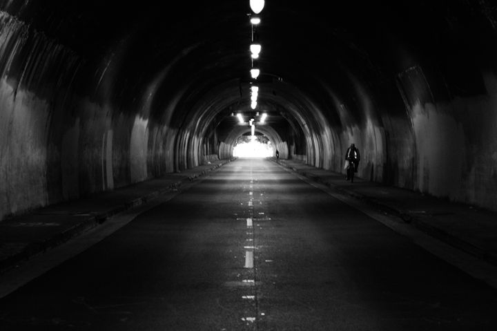 B&W Tunnel - RHS Photography