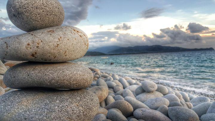 The Beauty in Balance - Roandren