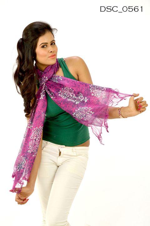 Hand Painted Silk Stole DSC0561 - scarvesdesigner