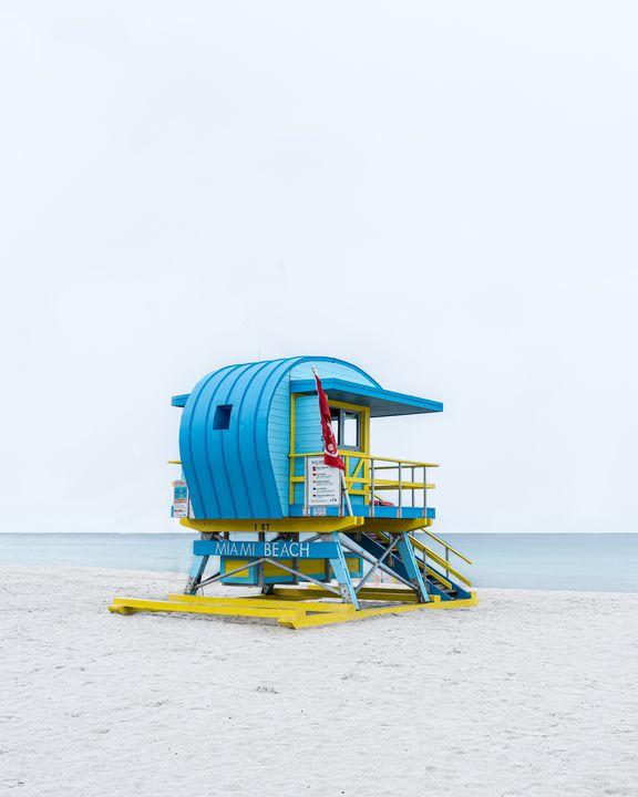 Lifeguard Hut 1st St - Andrea Bernal Photography