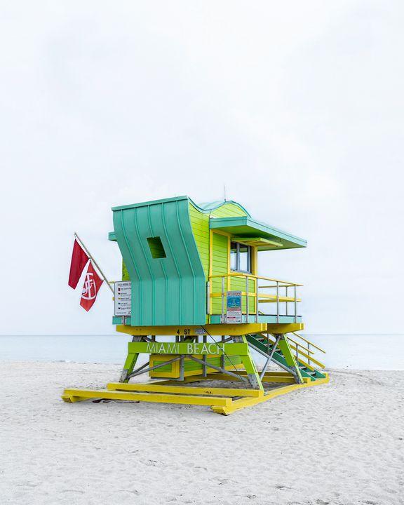 Lifeguard Hut 4th St - Andrea Bernal Photography