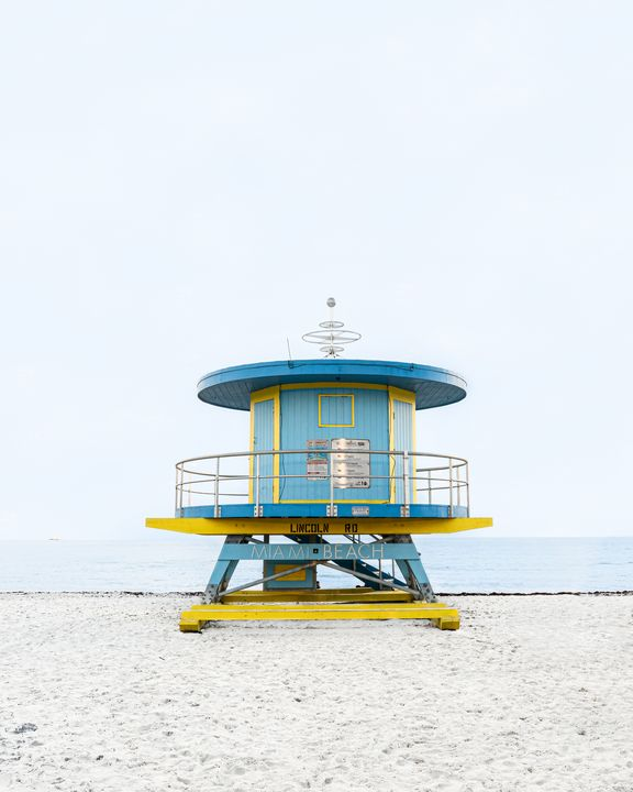 Lifeguard Hut Lincoln Rd - Andrea Bernal Photography