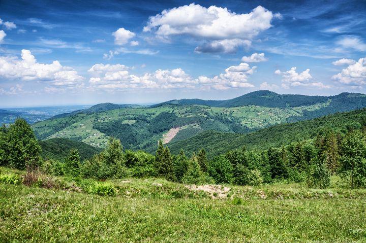 HDR views during uphill Makovytsya U - The most