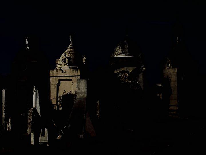 Deep in night in Buenos Aires - Ricardo Trotti Art