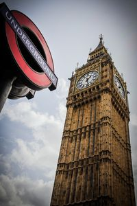 Big Ben and the underground sign - 1