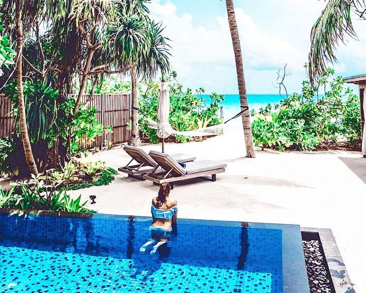 shaking my head,Maldives Original wa - Angelo