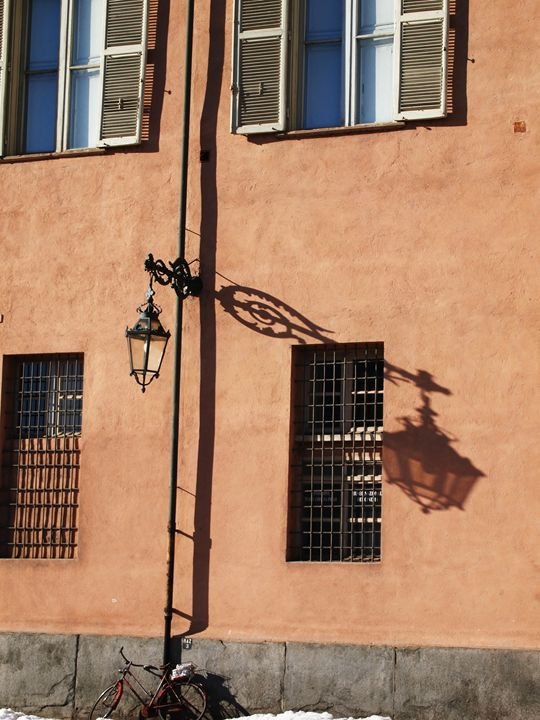 Lamp post's shadow - Symplisse Art