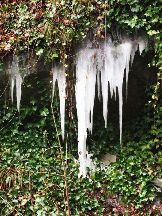 Ice stalagtite - Symplisse Art