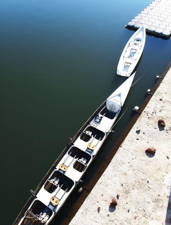 Two boats on a pier - Symplisse Art