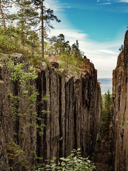 Canyon in Sweden - Thomas Pikolin