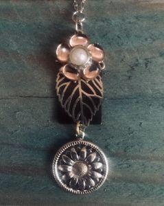 'Daisy Chain' Pendant Necklace