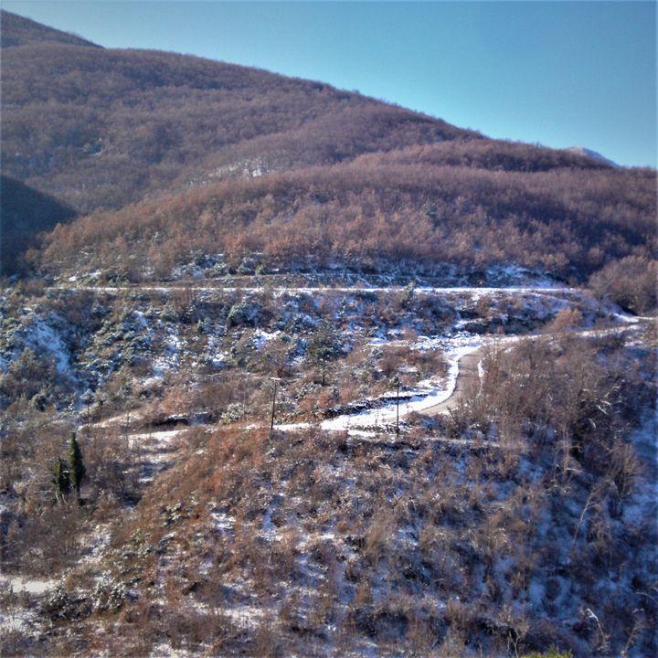 Mountain with Snow - Lampis Kyriakidis