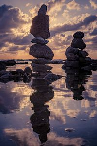 Stone sculptures with reflection